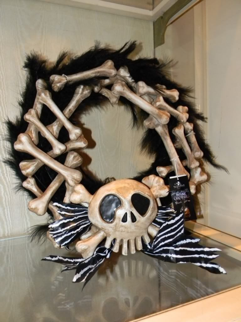 Best ideas about Nightmare Before Christmas Decorations DIY . Save or Pin DIY NIGHTMARE BEFORE CHRISMAS WREATH Now.