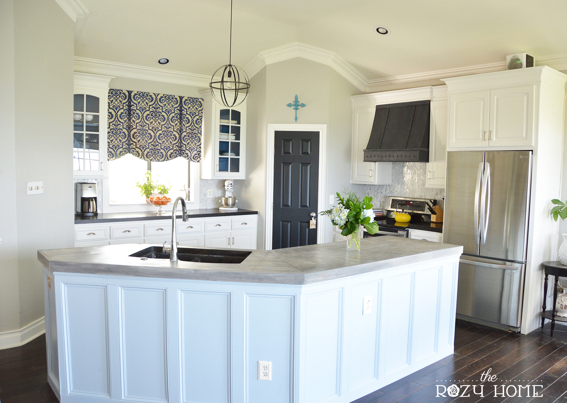 Best ideas about Painting Kitchen Cabinets DIY . Save or Pin Remodelaholic Now.