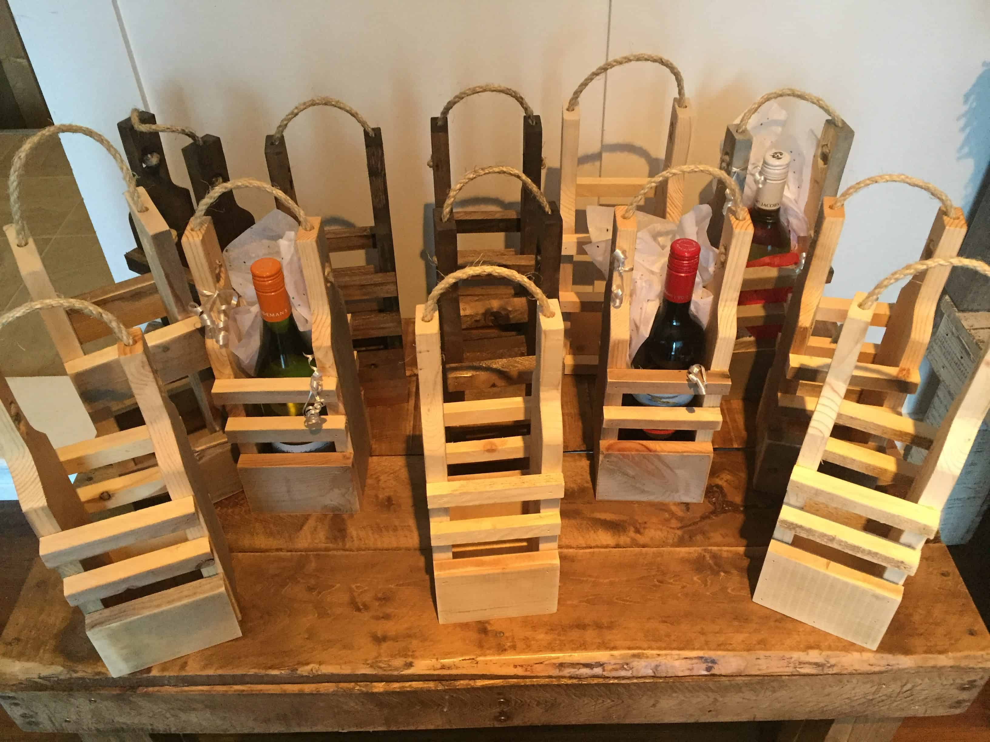Best ideas about Pallet Gift Ideas . Save or Pin Rustic Pallet Wood Reusable Wine Gift Bags • 1001 Pallets Now.