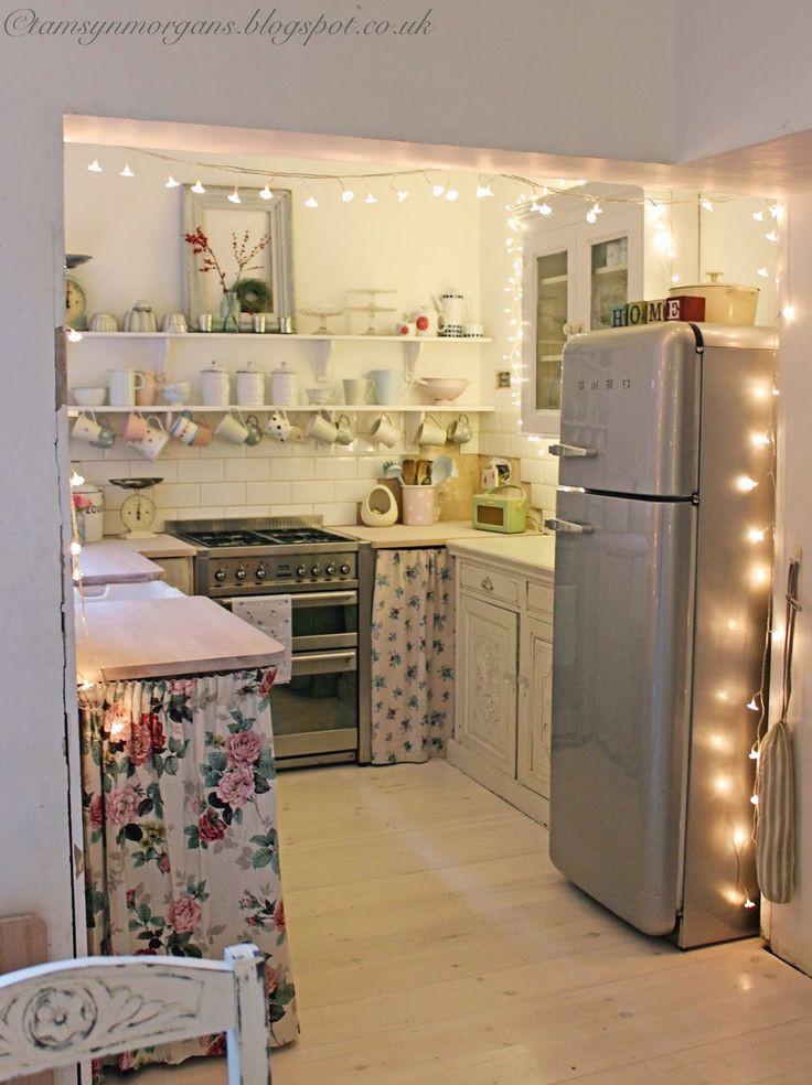 Best ideas about Pinterest Kitchen Decorating . Save or Pin o valorizar a iluminação da sua casa usando pisca pisca Now.