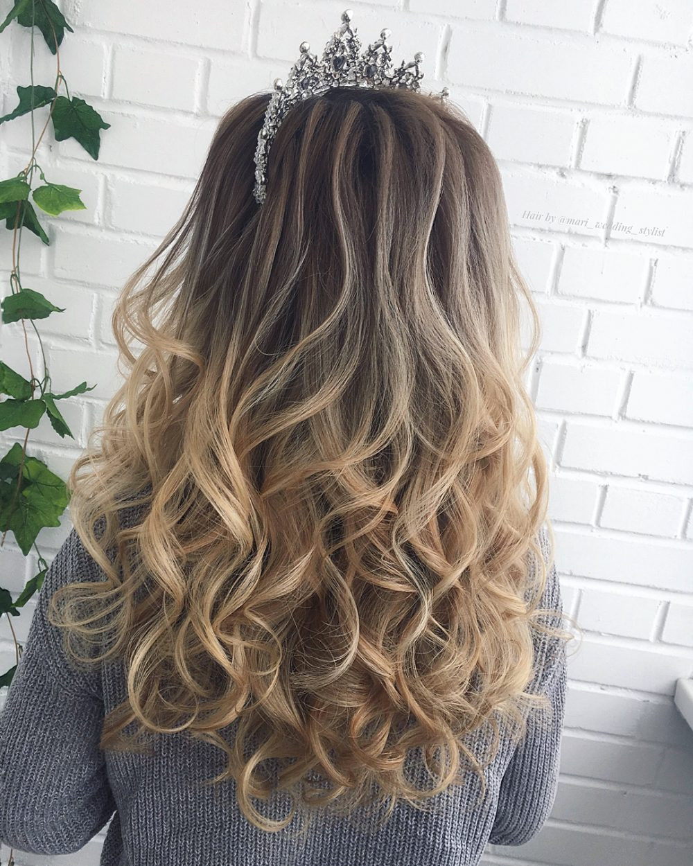 Best ideas about Prom Hairstyles Curly Down . Save or Pin 22 Perfectly Gorgeous Down Hairstyles for Prom Now.