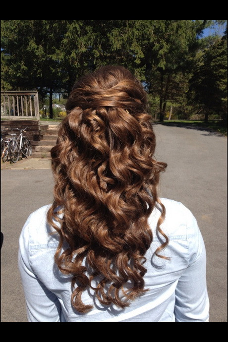 Best ideas about Prom Hairstyles Curly Down . Save or Pin Prom hairstyles down and curly Now.