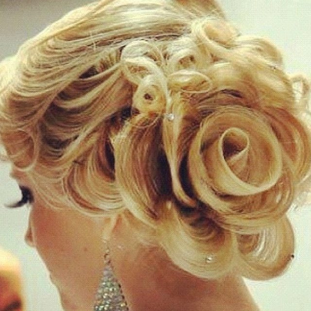 Best ideas about Roses Hairstyles . Save or Pin Unique Wedding Hairstyle for Medium Hair Now.