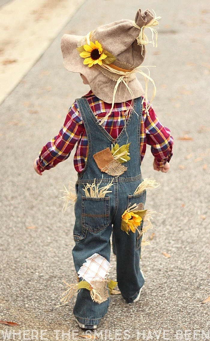 Best ideas about Scarecrow Halloween Costume DIY . Save or Pin Easy & Adorable DIY Scarecrow Costume That s Perfect for Now.
