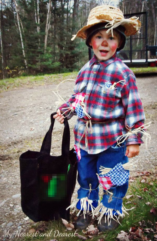 Best ideas about Scarecrow Halloween Costume DIY . Save or Pin How to make a scarecrow costume for your little one this Now.