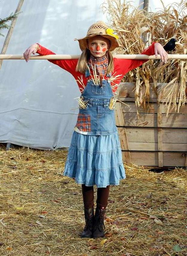 Best ideas about Scarecrow Halloween Costume DIY . Save or Pin DIY Scarecrow Costume Ideas From Clever to Creepy Now.