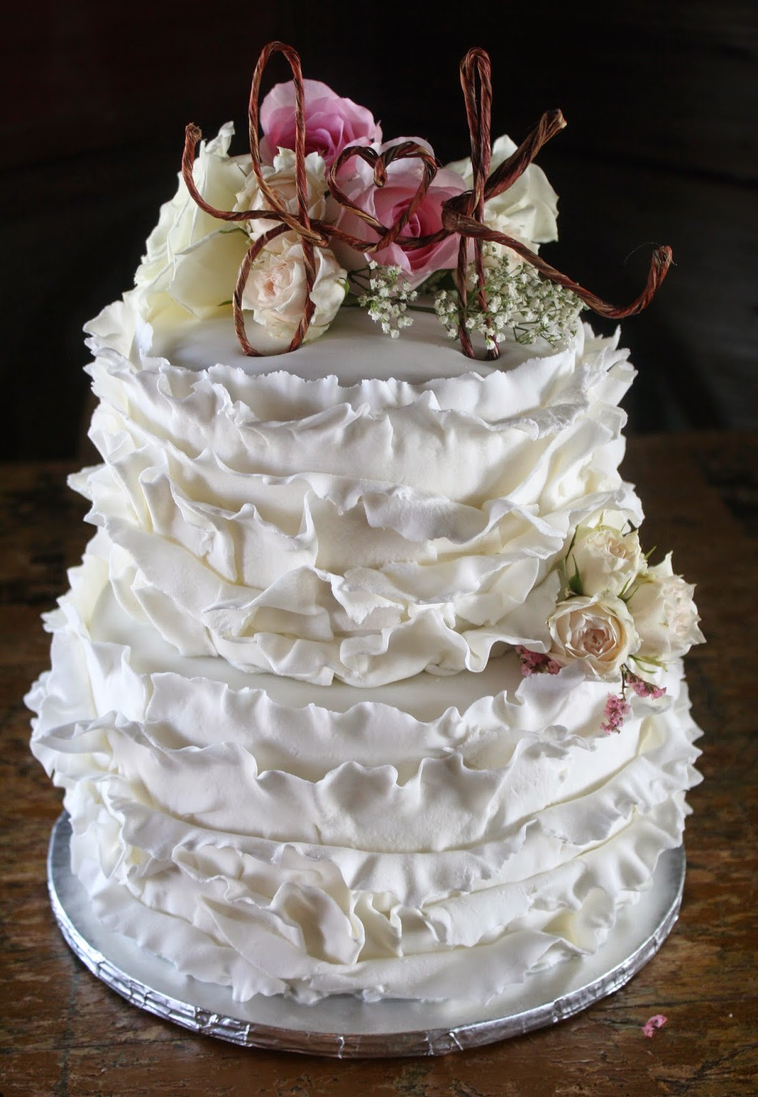 Best ideas about Shabby Chic Wedding Cake . Save or Pin A Shabby Chic Wedding Cake and some wedding decor pics Now.