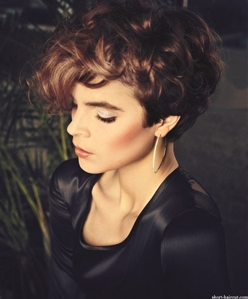 Best ideas about Short Fall Hairstyles . Save or Pin 12 Short Haircuts for Fall Easy Hairstyles PoPular Haircuts Now.