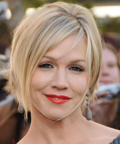 Best ideas about Short Haircuts For Round Faces And Thin Hair . Save or Pin 30 Terrific Short Hairstyles For Round Faces Now.