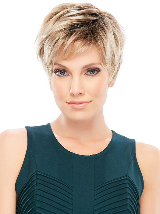 Best ideas about Short Haircuts For Round Faces And Thin Hair . Save or Pin 8 Chic Short Haircuts For Thin Hair Now.