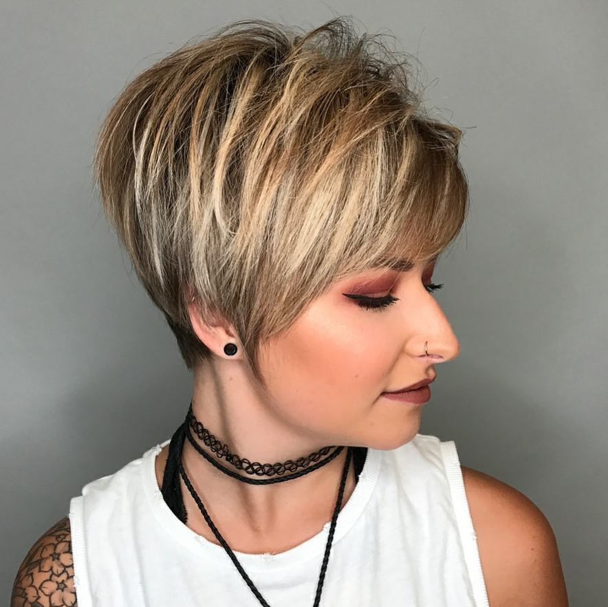 Best ideas about Short Hairstyles For Thick Hair Round Face . Save or Pin 10 Hi Fashion Short Haircut for Thick Hair Ideas 2019 Now.