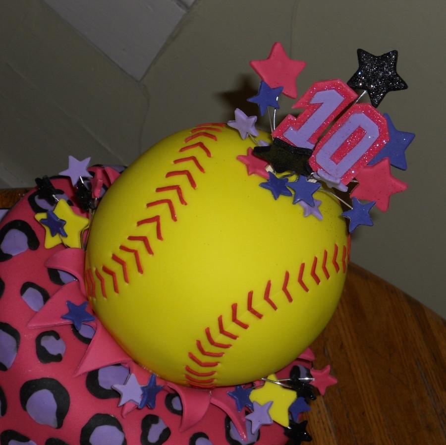 Best ideas about Softball Birthday Cake . Save or Pin Softball Birthday Cake CakeCentral Now.