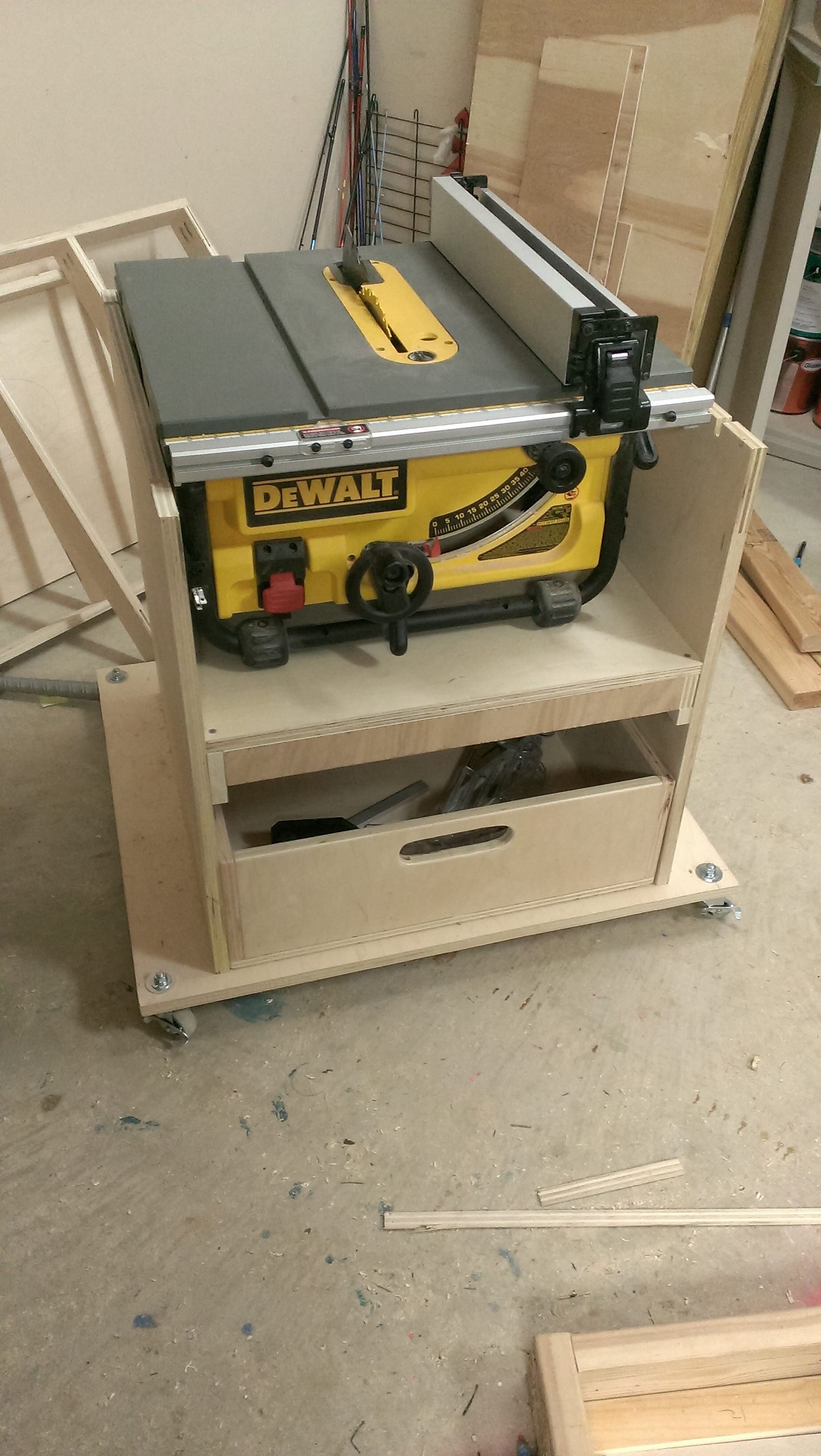 Best ideas about Table Saw Stand DIY . Save or Pin Mobile stand for my new table saw Now.