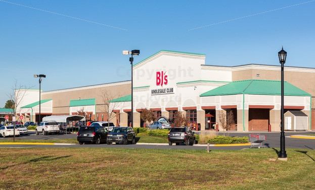 Best ideas about The Backyard Gainesville . Save or Pin BJs store in Gainesville Virginia Now.