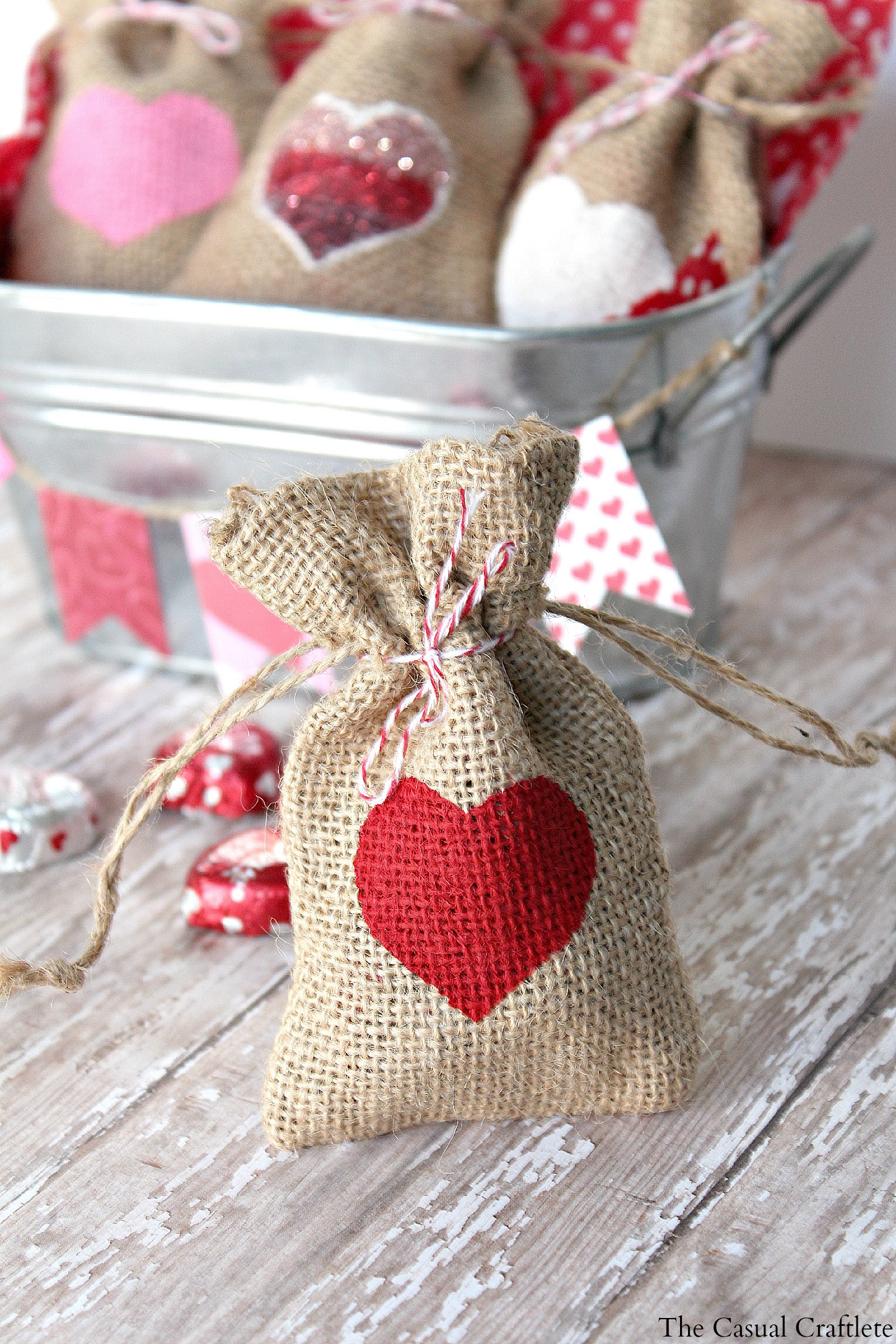 Best ideas about Valentine Gift Bags Ideas . Save or Pin DIY Valentine s Day Burlap Gift Bags Now.