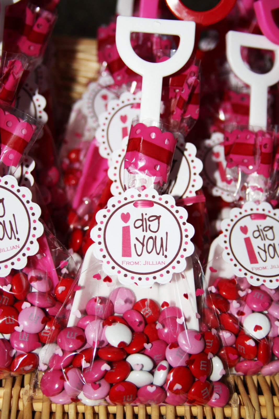 Best ideas about Valentine Gift Bags Ideas . Save or Pin Cute Food For Kids Valentine s Day Treat Bag Ideas Now.