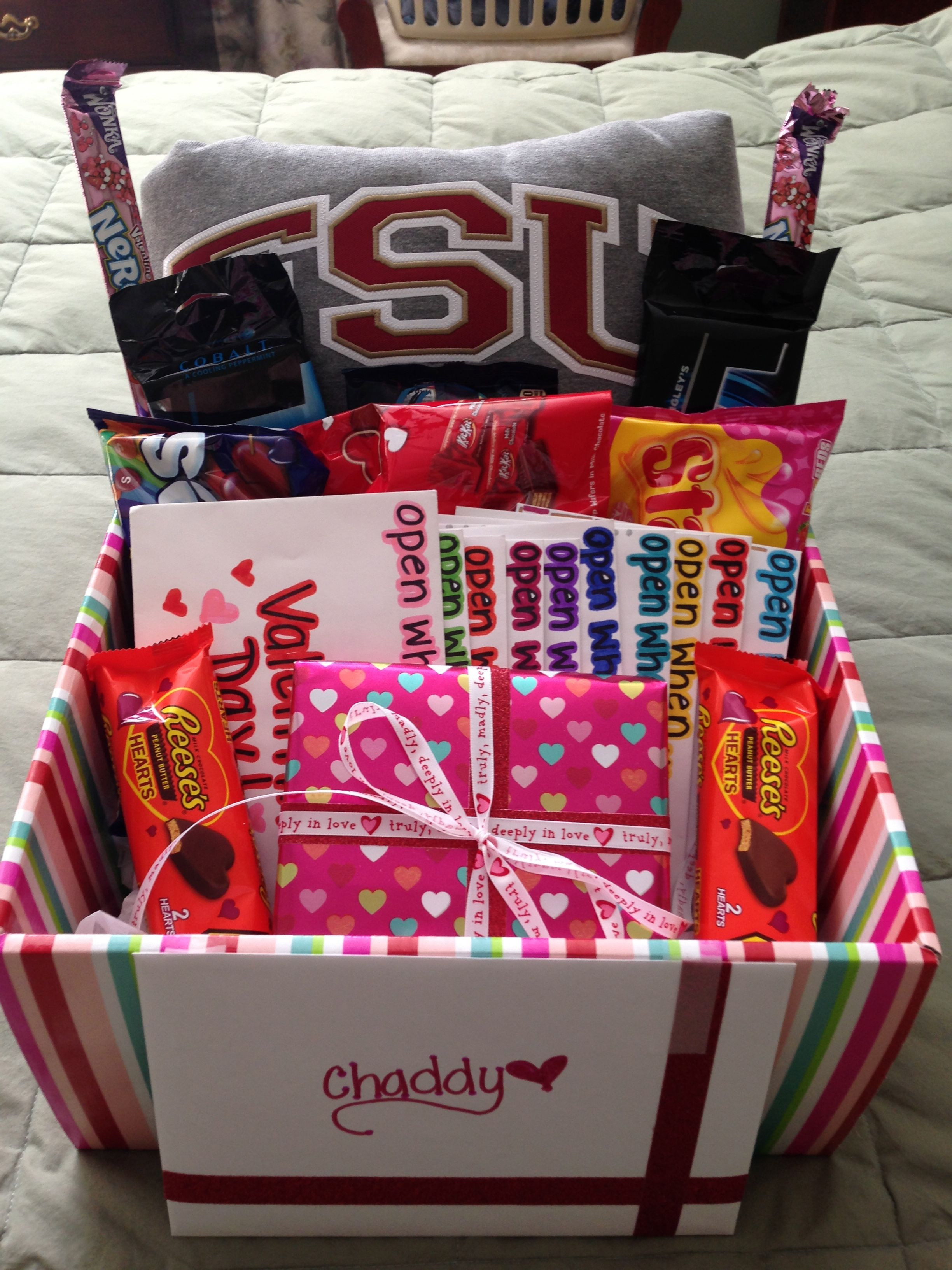 Best ideas about Valentine'S Day Gift Basket Ideas . Save or Pin valentines day t for him valentines day t basket Now.