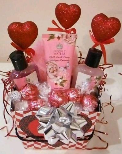 Best ideas about Valentine'S Day Gift Basket Ideas . Save or Pin 1000 ideas about Valentine s Day Gift Baskets on Now.