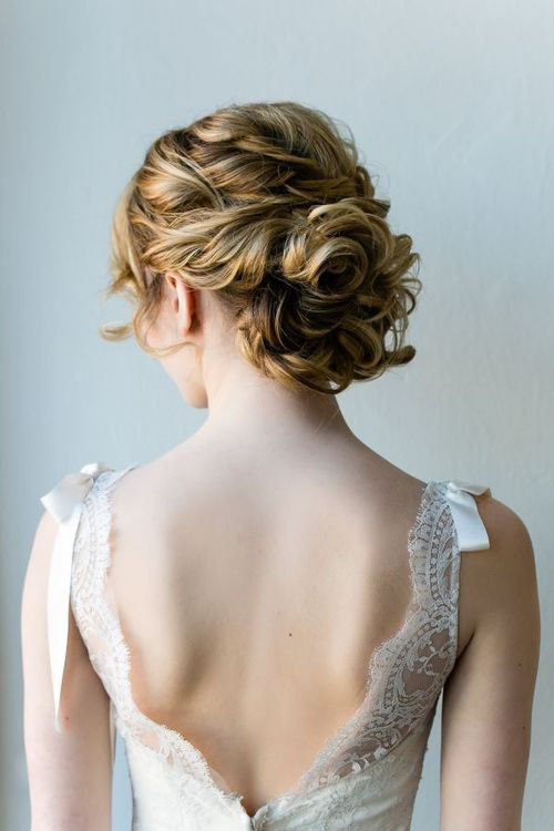 Best ideas about Wedding Curly Hairstyles . Save or Pin 10 Amazing Wedding Hairstyles for Curly Hair Now.