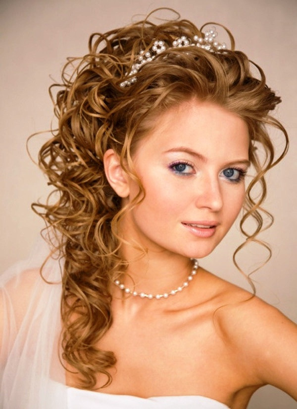 Best ideas about Wedding Curly Hairstyles . Save or Pin 23 Perfect Curly Wedding Hairstyles Ideas Feed Inspiration Now.