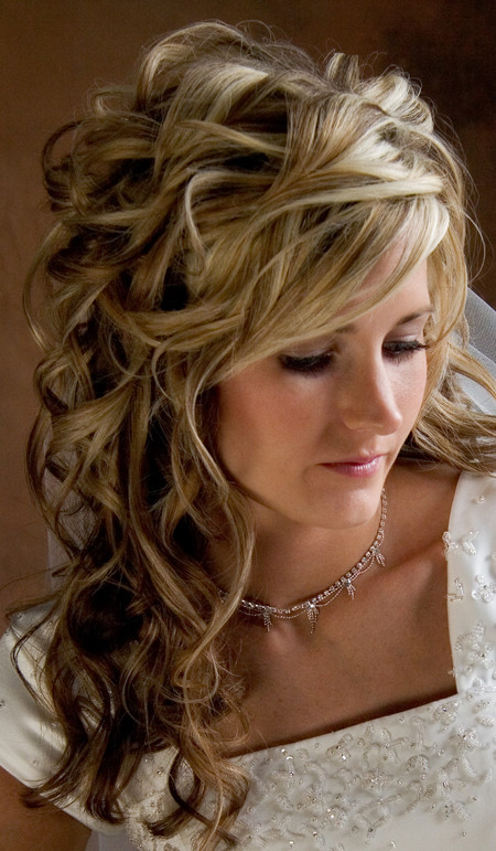 Best ideas about Wedding Hairstyles Down Curly . Save or Pin Curly Wedding Hairstyles Hairstyles Nic s Now.