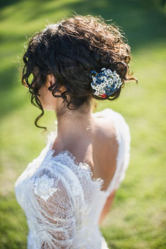 Best ideas about Wedding Hairstyles For Naturally Curly Hair . Save or Pin 29 Charming Bride s Wedding Hairstyles For Naturally Curly Now.