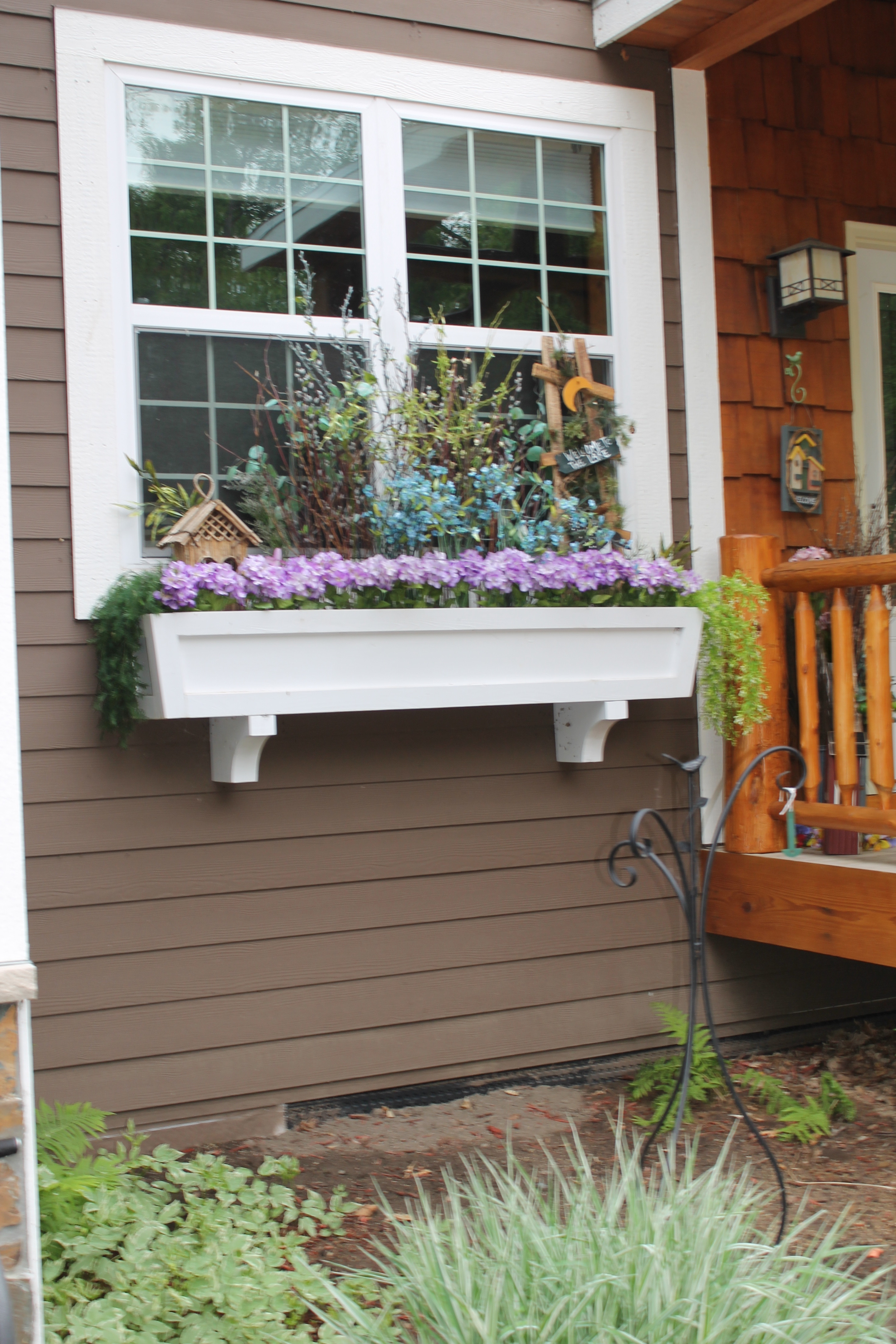 Best ideas about Window Flower Boxes DIY . Save or Pin Remodelaholic Now.