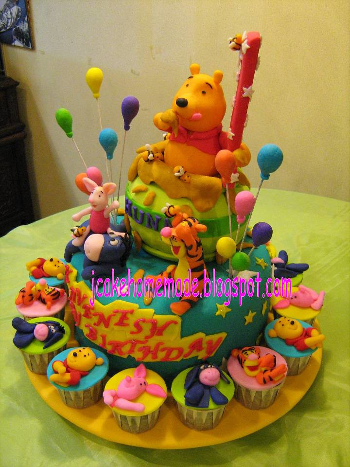 Best ideas about Winnie The Pooh Birthday Cake . Save or Pin Winnie the Pooh birthday cake a photo on Flickriver Now.