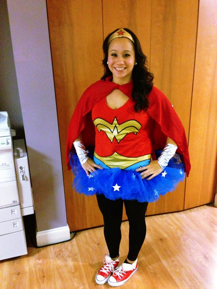 Best ideas about Women DIY Costumes . Save or Pin Wonder Woman DIY costume meta con Pinterest Now.