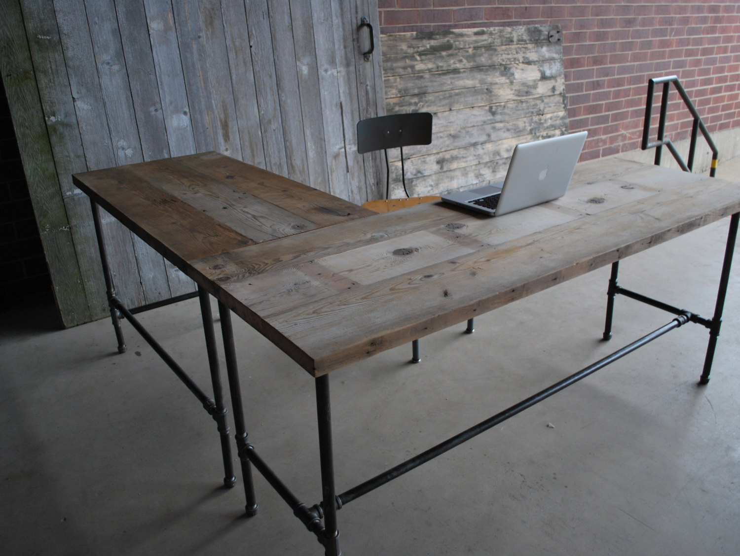 Best ideas about Wood Desk DIY . Save or Pin L shape modern rustic desk made of reclaimed wood Choose your Now.