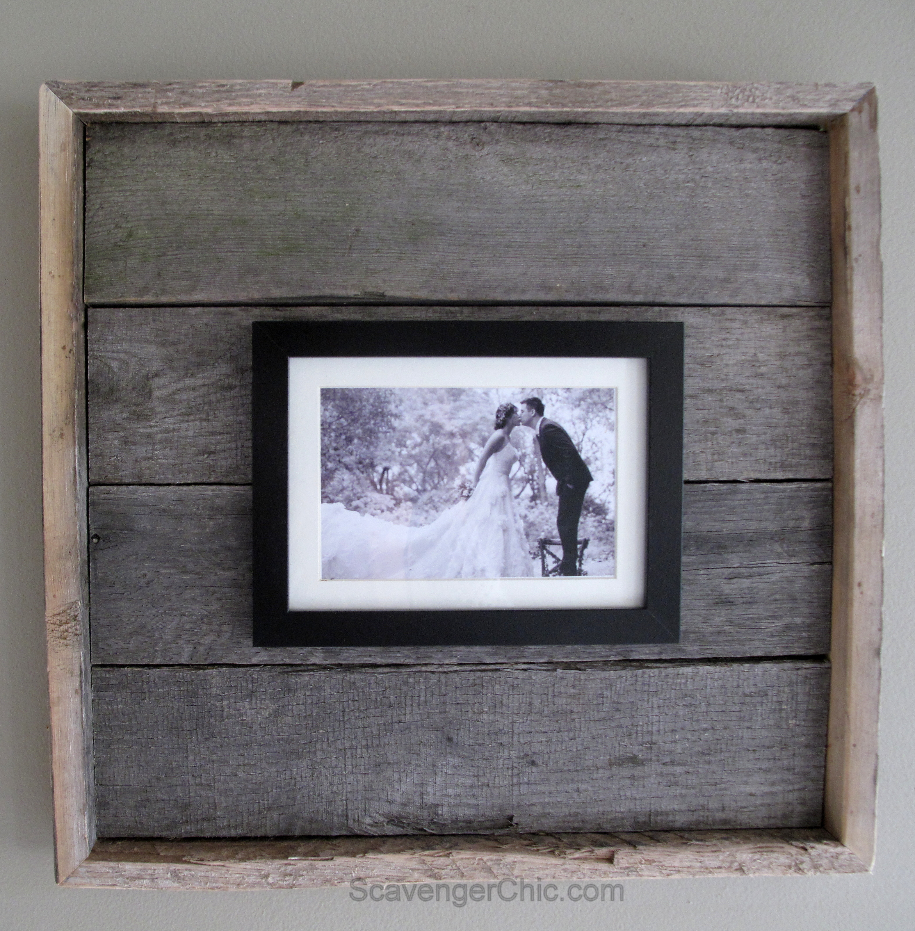 Best ideas about Wood Picture Frames DIY . Save or Pin Easy diy Pallet Wood Frame 013 – Scavenger Chic Now.